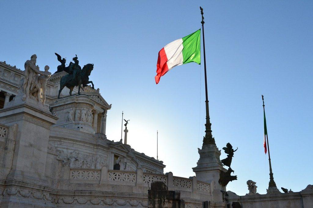 """italia-se-pregateste-sa-impuna-obligativitatea-""""pasaportului-verde-covid-19""""-pentru-toti-angajatii,-inclusiv-din-privat"""